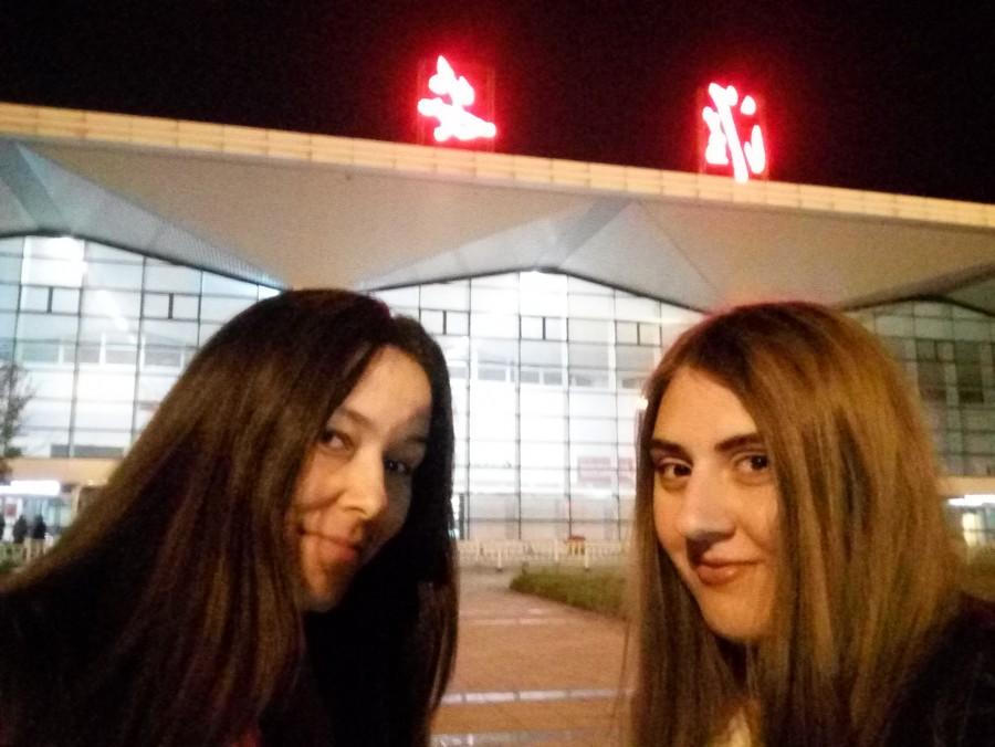 Сетлана и Ольга в Китае